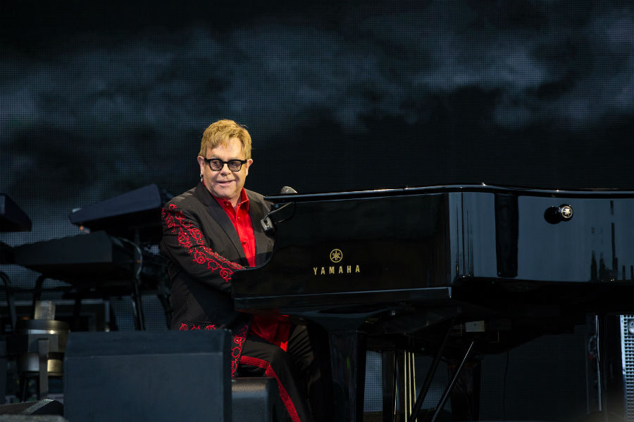 Elton John & his band - Photo
